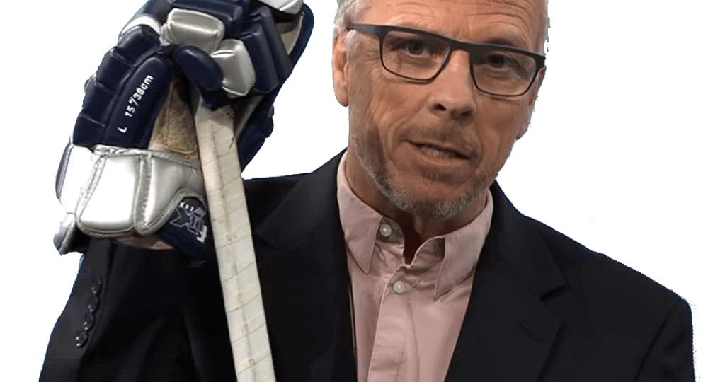 Ueli Schwarz mit einem Eishockeyschläger
